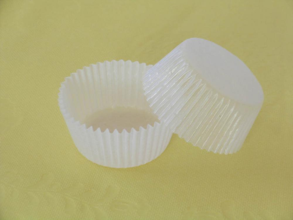 Jumbo parchment paper baking cup
