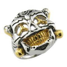 El anillo de cráneo de acero inoxidable de la película de Expendables