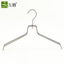 настроить вешалки для одежды цвета металла для магазинов модной одежды