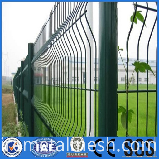 curved wire mesh