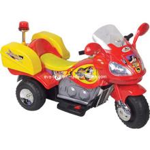Les enfants se déplacent sur une moto convenable pour les 3-12 ans (WJ277071)