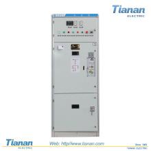 Appareil de commutation à courant alternatif à montage intermédiaire en métal