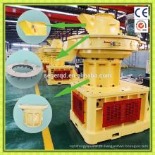 Pelota de madeira de serragem de biomassa que faz a máquina
