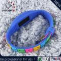 Reloj unisex del deporte de Digitaces del silicio LED de la manera
