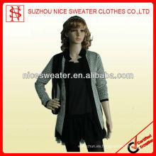 Suéteres de la manera de las señoras de la pequeña manera de las señoras