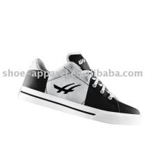 Nuevos zapatos de lona de la moda