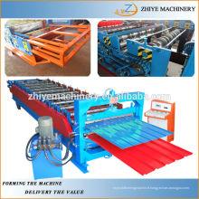 Machine de fabrication de panneaux muraux à double couche en acier couleur