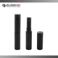 Tubo de lápiz de labios negro metal