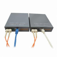 10/100 / 1000Mbps Fiber Media Converter de St-Fmc-100b-IP