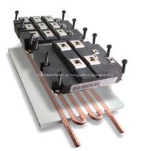 Presiona la placa refrigerada por agua del tubo