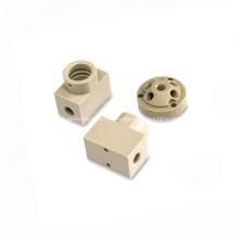 Piezas de plástico Fresado Mecanizado CNC Piezas de torneado Ojeada