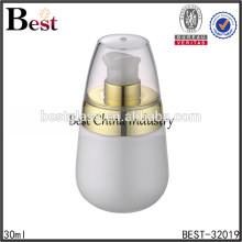 Bouteilles en verre blanc de perle de 30ml avec la pompe et le chapeau d'or, bouteilles cosmétiques d'emballage, bouteille cosmétique de lotion de soin de peau