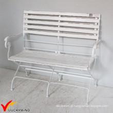 Cadeira de jardim de madeira francesa antiga do país