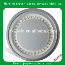 L'éclairage LED standard dans l'ascenseur