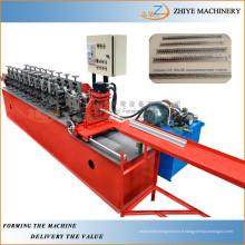 Machines à formage de laminage à froid en angle de paroi métallique / machine à fabriquer des profils de coin en métal