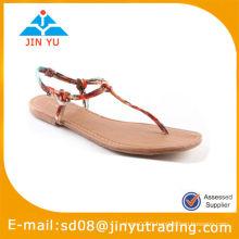 Sandales plates à la mode de Bohême
