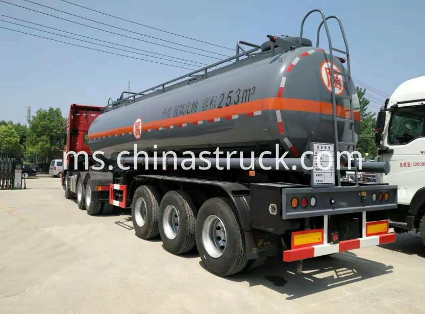 3 axle chemical tank for Naoh