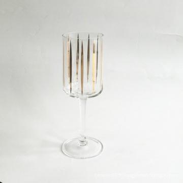 Verre à vin blanc avec décalcomanie or