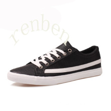 Hot New Arriving Men′s Classic Casual Canvas Shoes