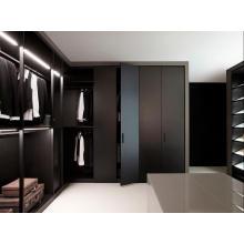 Elegante diseño negro sencillo armario