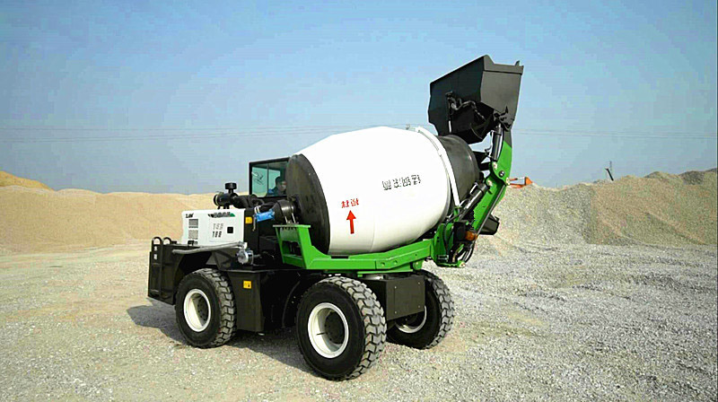 1.2 cubic mobile self loading mini concrete mixer