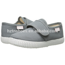 China Low Price Wholesale Canvas Shoes Kids Injection Casual Flat Shoe