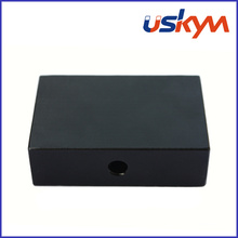 Black Epoxy Coating Block NdFeB Magnets avec trou (F-008)