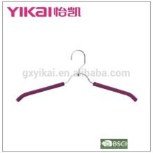 Espuma simple de EVA cubrió las perchas acolchadas de la camisa del metal con el estante de correa