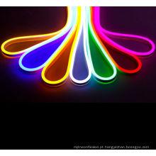 a tubulação impermeável da luz de néon do rgb conduziu a luz de néon apropriada do usb do software 120leds / m 2835smd