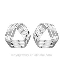 Europa simple triángulo de estilo 3D pendiente de perlas de oro blanco