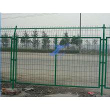 Valla de malla de alambre soldada con marco de bajo precio y alta calidad