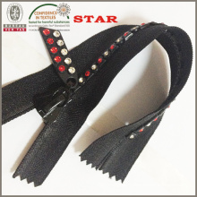 Zippers with Rhinestones for Distinc Garments