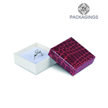 Jewelry+gift+box+for+necklace+leatherette+ring+box