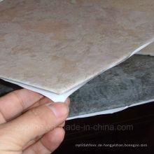 Selbstklebende Vinyl-Bodenfliese