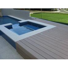 Revestimento de madeira da plataforma da grão WPC / piscina exterior 140 * 25mm do Decking