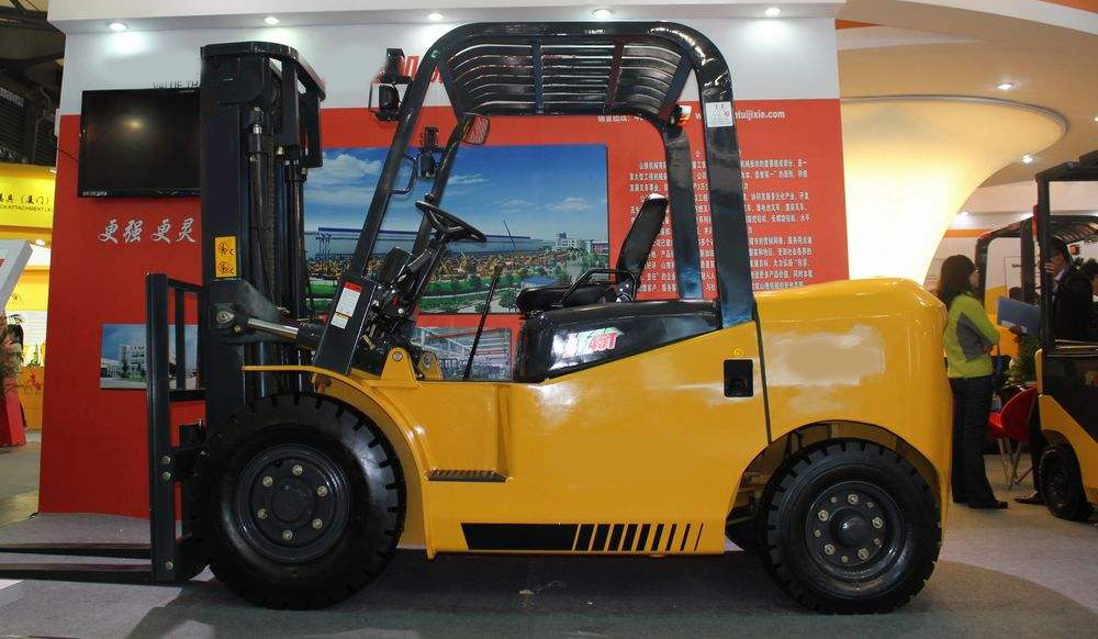 Forklift Truck Engineer