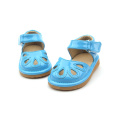 Nieuw Arrived Perfect Quality Blue Hollow Squeaky sandalen