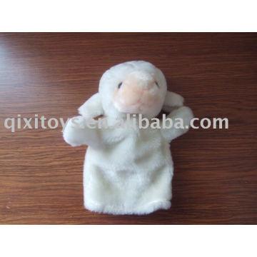 marionnette en peluche de mouton en peluche