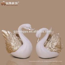 electroplate la estatua del cisne de la resina en color de plata color de rosa del oro para la decoración de la boda