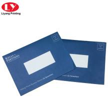 Impresión de sobres de papel reciclado de color azul marino de Cusotm