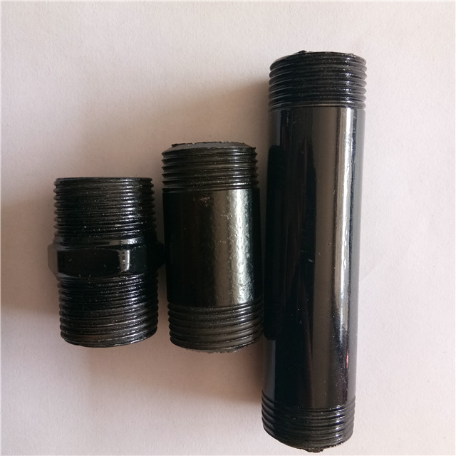 Black cast iron pipe fitting floor flanges