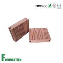 Piso compuesto de madera del Decking de la piscina del plástico de WPC de 96 * 20m m