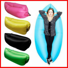 Canapé-lit gonflable gonflable en nylon de sommeil de sommeil de sommeil de nylon de 100% usine