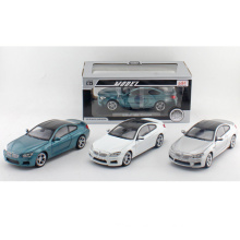 Alloy Car Toy Car Die Cast 1: 24 modelo de carro (H2868102)