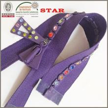 № 8 Алмазные молнии для отличительной одежды