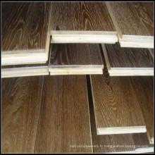 Plancher de bois de chêne huilé blanc et fumé