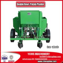 La agricultura de la máquina sembradora de patatas