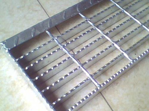 galvanized serrated steel bar gratings