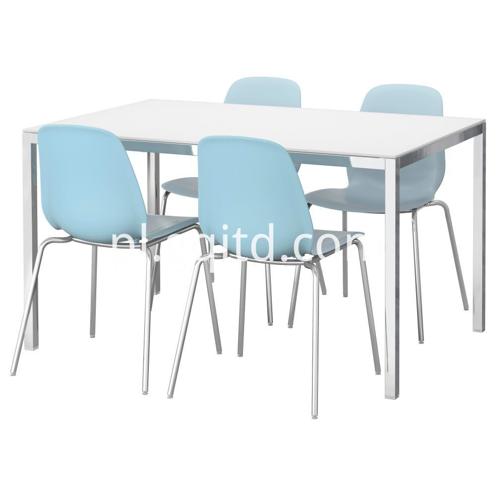 4 Seats Table