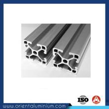 Extrusion en queue d'aronde en aluminium